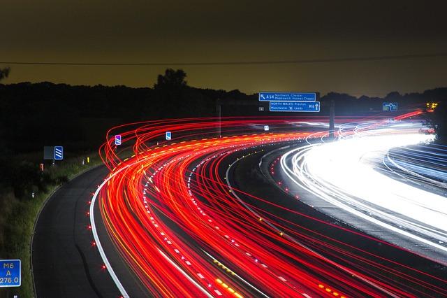 světla aut