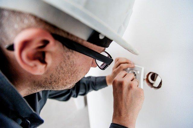 akční elektrikář